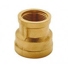 BRASS REDUCING SOCKET 1/2 X 3/8